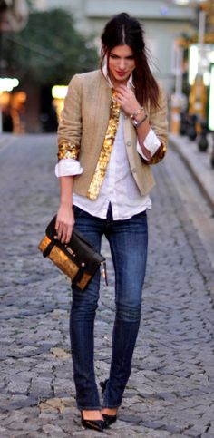 Jeans, white shirt, black pumps, color-block clutch, beige embellished blazer ☑️