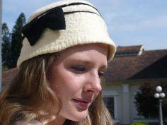 Chapéu exclusivo da coleção 2012 de DUE CANALE. R$120,00