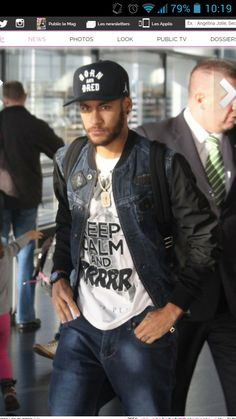 Keep calm and grrrr Neymar Jr, Paris Saint Germain Fc, Neymar Brazil, Barcelona Team, National Football Teams, Best Player, Football Players, Messi, Sexy Men