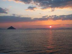 Coucher de Soleil sur la Mer Intérieure de Seto. #japon #coucherdesoleil