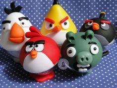 Bolas acrílicas de 75mm com o tema Angry Birds em biscuit