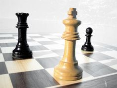 Watch Now: Chess Strategies: How To Play Queen Endgames Successfully; Chess Strategies HowPlay Queen Endgames Successfully Familia Y Cole, Chess Strategies, Online Courses With Certificates, Chicago Events, Royal Guard, Principles Of Design, Family Game Night, Night Kids, Games For Teens