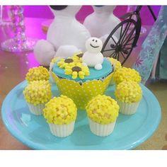 #cupcakefrozenfever acompanhado dos jarrinhos de chocolate da querida @anafulana