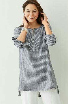 "linen mixed-stripes tunic ""Linen gray tunic - Love the structured feel given to this comfy piece by the fabric choice and the geometric treatment at the ne Kurta Designs, Blouse Designs, Linen Dresses, Casual Dresses, Look Urban Chic, Linen Tunic, Linen Shirts, Mode Hijab, Indian Designer Wear"