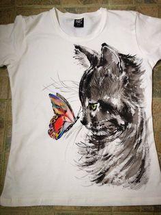 T Shirt Painting, Fabric Painting, Fabric Art, Tshirt Painting Ideas, Painted Jeans, Painted Clothes, Hand Painted, Paint Shirts, Fabric Paint Shirt