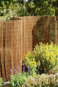 This natural, lightweight willow fence makes an attractive privacy screen for your garden, yard, porch or patio. 100% Satisfaction Guaranteed. Cheap Privacy Fence, Privacy Fence Landscaping, Privacy Fence Designs, Backyard Privacy, Diy Fence, Backyard Fences, Backyard Landscaping, Fence Gate, Fence Panels