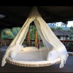 Trampoline hammock. This looks so comfy!