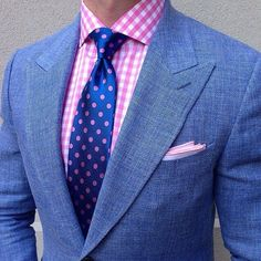 Loving this outfit, everything combining together subtly for a fantastic look.