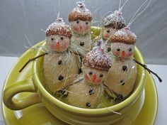 Set of Six Tiny Vintage Looking Snowmen by Carynbay on Etsy