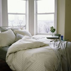 Cleaning Winter bedding is heavy and washing can be tricky. Learn how to keep your winter down, flannel and wool bedding looking and feeling its best.