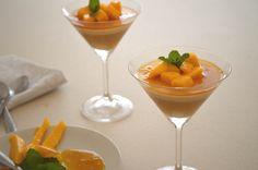 Panna Cotta de Leite de Amêndoas com Calda de Laranja e Manga  http://www.acucarando.com.br/panna-cotta-de-leite-de-amendoas-com-calda-de-laranja-e-manga-sem-lactose/