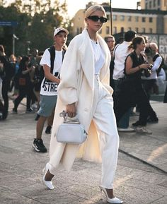 19 the best female street style from milan fashion week 10 Fashion Week, Street Fashion, Fashion Looks, Fashion Outfits, Fashion Trends, Tomboy Outfits, Emo Outfits, Fashion Styles, Fashion Ideas