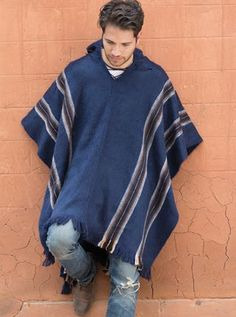 Alpaca Mall Alpaca Poncho Manco Kapac - Top quality alpaca clothing for men and women direct from the artisans and manufacturers. Mens Poncho, Alpaca Poncho, Native Wears, Mexican Men, Estilo Hippie, Crochet Poncho, Hippie Outfits, Westerns, Winter Fashion