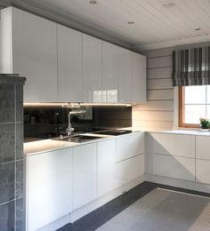 L-KEITTIÖ KUVIA 3 – Puustellin Keittiögalleria Kitchen Cabinets, Home Decor, Decoration Home, Room Decor, Cabinets, Home Interior Design, Dressers, Home Decoration, Kitchen Cupboards