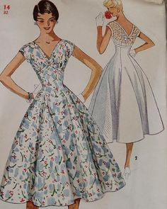 vintage dress pattern with full skirt, courtesy of So Vintage Patterns. - vintage dress pattern with full skirt, courtesy of So Vintage Patterns. Love this dress Source by mrsslaboda - Vintage Dress Patterns, Vintage 1950s Dresses, Clothing Patterns, Vintage Outfits, Vintage Clothing, 60s Dresses, Vintage Blouse, Clothing Styles, Party Dresses