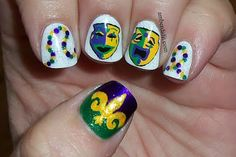 NYC French White tip, LA colors glitter, Sally Hansen Xtreme Wear Going Green, Zoya Ivanka, Kleancolors Metallic Purple, Sinful Colors I love you, Sinful Colors This is it and Seche Vite Topcoat.