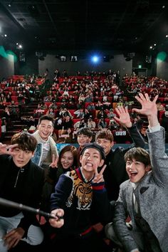 Taehyung and the Hwarang cast ? At Hwarangs first night and live talk Park Hyung Sik, Asian Actors, Korean Actors, K Pop, Choi Min Ho, Bts Concert, Kdrama Actors, Strong Girls, V Taehyung