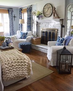 "oldfarmhouse: ""Photocredit: finishingtouchdecorbyjenny: """