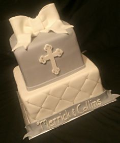 Baptism cake idea - but with out the bow and banner Cross Cakes, Birthday Themes For Boys, Communion Cakes, Occasion Cakes, Food Crafts, Creative Cakes, Amazing Cakes, Cake Pops, Cupcake Cakes