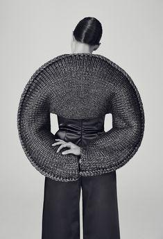 Sculptural Knitwear Design - knitted top with circular silhouette; geometric fashion // Matilda Norberg Sculptural Knitwear Design - knitted top with circular silhouette; Knitwear Fashion, Knit Fashion, Look Fashion, Sporty Fashion, 3d Fashion, Fashion Today, Korean Fashion, Fashion Dresses, Fashion Tips
