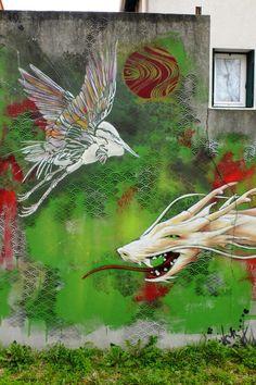 Vitry-sur-Seine - av Jean Jaurès - #streetart - TSF crew / stew / c215 #green #bird #snake #design