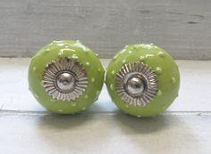 2 Frieden grün Keramik Knauf Bubbel 3 D vom KnobKleo von KnobKleo