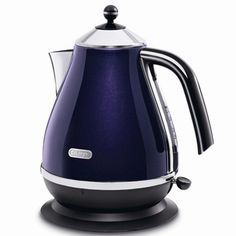 DeLonghi Micalite Icona Jug Kettle Red - perfect valentine gift ideas x Buy Kitchen, Small Kitchen Appliances, Kitchen Tools, Russel Hobbs, Purple Kitchen, Eclectic Kitchen, Red Candy, Kitchen Equipment, Retro