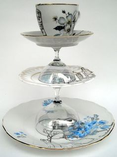 Tea Cup Platter. Dishfunctional Designs: Crafts & Home Decor Made With Teacups & Saucers