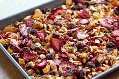 Grain free gluten free this paleo granola is full of healthy fatty acids and vitamins from nuts Chia seeds Goji berries and dried strawberries. Paleo Menu, Paleo Recipes, Whole Food Recipes, Vegetarian Paleo, Perfect Breakfast, Paleo Breakfast, Breakfast Recipes, Dinner Recipes, Oven Dried Strawberries