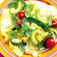 Recept - Spinaziesalade met pasta en avocado - Allerhande