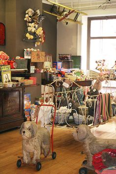 Those of us who've been, know Avoca has some of the best ways to display their gorgeous products! Store Front Windows, Dog Daycare, Vintage Market, Booth Design, Vintage China, Visual Merchandising, Fleas, Display Ideas, Thrifting