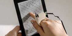 Este anillo del MIT permite a personas ciegas leer textos con el dedo