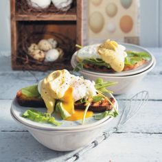 Poached Eggs with Easy Hollandaise Sauce #Vegetarian #Breakfast #Eggs #SouthAfrica