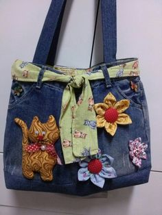 How to make bag from old jeans - Simple Craft Ideas Denim Handbags, Denim Tote Bags, Denim Purse, Tote Purse, Denim Bags From Jeans, Jean Purses, Diy Bags Purses, Diy Handbag, Recycled Denim