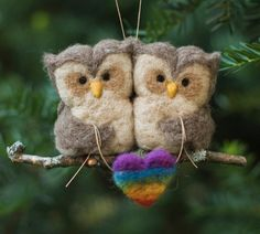So cute!   Needle Felted Owls  via Etsy. Scratchcraft