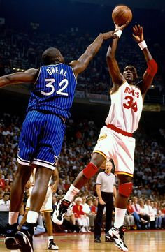 Shaq vs Olajuwon (sweep in finals)