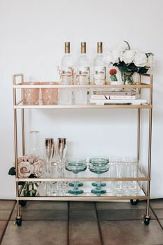 Tips for Styling Your Spring Bar Cart + 5 Simple and Refreshing Cocktail Recipe's You'll Love! | via Pineapple & Prosecco | #barcart #homedecor #anthropologie