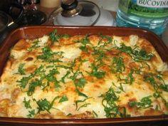 Reteta culinara Pulpe de pui cu smantana si oua , la cuptor din categoria Pui. Cum sa faci Pulpe de pui cu smantana si oua , la cuptor