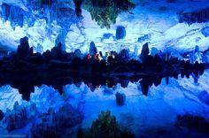 Palacio de Cristal de la Cueva flauta de caña, Guilin, Guangxi - China