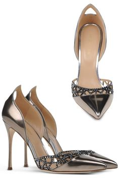 """Pumps """"Tresor"""" by Sergio Rossi, autumn-winter - trend-talons co Fab Shoes, Me Too Shoes, High Heels Stilettos, Stiletto Heels, Pewter Shoes, Sergio Rossi Pumps, Walk This Way, Women's Feet, Beautiful Shoes"""