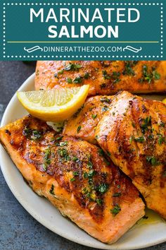 Marinated Salmon with Garlic and Herbs - Atıştırmalıklar - Las recetas más prácticas y fáciles Grilled Salmon Marinade, Salmon Steak Recipes, Fish Marinade, Salmon Marinate Recipe, Balsamic Salmon, Grilled Fish Recipes, Tilapia Recipes, Barbecue Recipes, Grilling Recipes