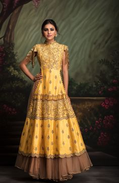 Yellow aari dori kurti with highlight of katdana and sequin work , fringe details clubbed with a flared gold tulle skirt. Indian Attire, Indian Ethnic Wear, Ethnic Fashion, Asian Fashion, Indian Dresses, Indian Outfits, Party Kleidung, Mehndi Dress, Indian Couture