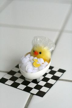 how adorable is this little chick in a tub?! Love love love !! super adorable #charmies, #charmiesbywendy #hestonw