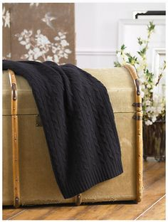 10 Cuddly Cable Knit Throws