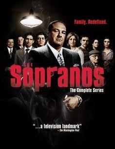 The Sopranos - Seizoen 1 t/m 6 (The Complete Series) (Blu-ray). De complete serie van The Sopranos, 86 afleveringen van zes seizoenen op 28 discs, in. Al Pacino, Les Sopranos, Tony Soprano, Hbo Series, Dvd Blu Ray, Memes, Movies And Tv Shows, Movie Tv, Movie Props