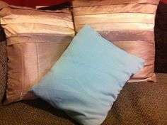 Contrasting cushions
