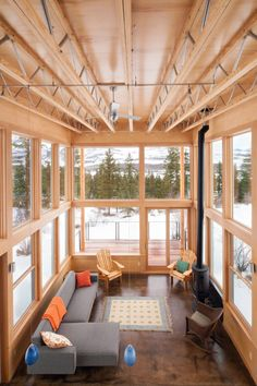 Wolf Creek Red Tail / Johnston Architects