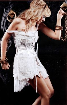 Kylie Minogue - LOVE the outfit