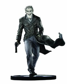 Batman Black and White The Joker Lee Bermejo Statue DC Direct Edition for sale online Marvel Comics, Marvel Vs, Batman Comic Books, Comic Book Heroes, Dc Heroes, Lee Bermejo, Batman Collectibles, Caran D'ache, Cinema