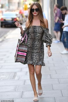 Celebrations: Millie Mackintosh treated herself to a lavish shopping trip in London on her. Look Casual Chic, Casual Looks, Millie Mackintosh Outfits, Christian Dior Bags, Looks Chic, 30th Birthday, Houndstooth, Mail Online, Daily Mail